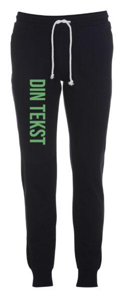 Joggingbukser med din tekst groen skrift blaa