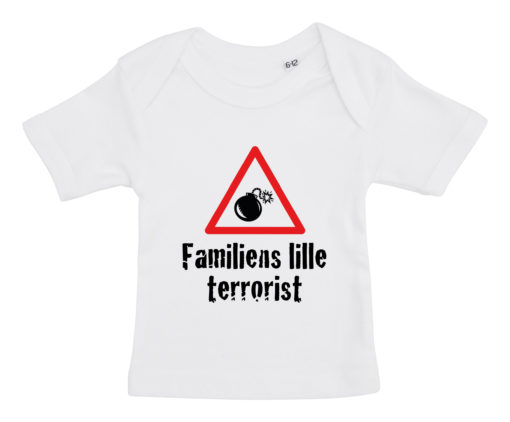 Baby t-shirt Familiens lille terrorist 2020 hvid