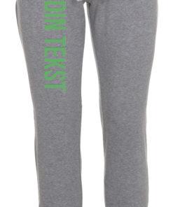 Joggingbukser med din tekst groen skrift graa