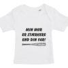 baby t-shirt min mor er staerkere end din far hvid