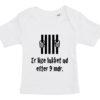 baby t-shirt er lige blevet lukket ud efter 9 mdr hvid