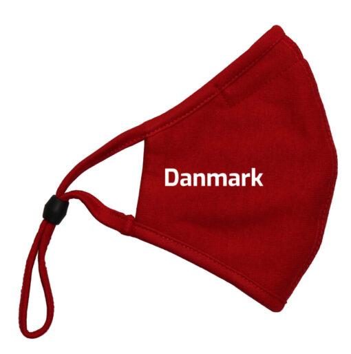 Mundbind roed med hvid tekst Danmark 1 scaled e1622108511228