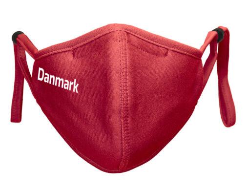 Mundbind roed med hvid tekst Danmark scaled e1622108622642