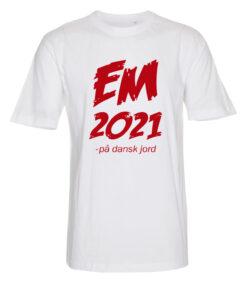 T shirts Hvid med Roed tekst EM2021 1 scaled e1622099015364