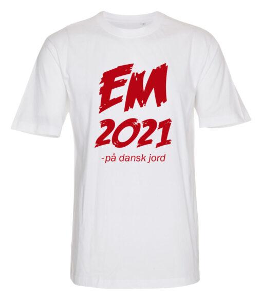 T shirts Hvid med Roed tekst EM2021 1 scaled e1622099036149