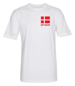 T shirts Hvid med roed tekst Dit Navn 1 scaled e1622098798845
