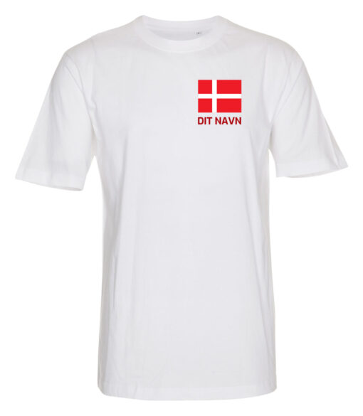 T shirts Hvid med roed tekst Dit Navn 1 scaled e1622098817226