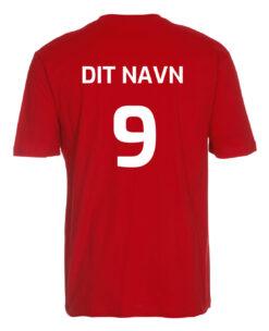 T shirts Roed med hvid tekst Dit Navn scaled e1622099562934