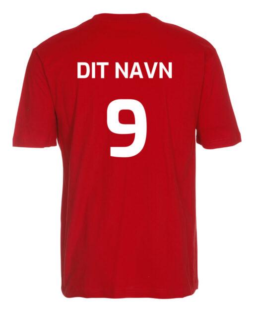 T shirts Roed med hvid tekst Dit Navn scaled e1622099581956